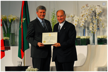 "The Aga Khan receives ""honorary Canadian citizenship"" from Stepher Harper (May 28, 2010)"