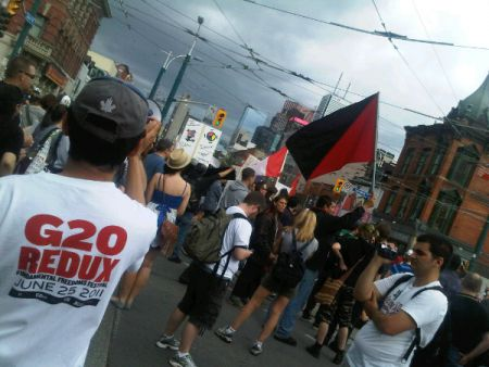 March reaches Queen & Spadina. (Image credit: Paisley Rae)
