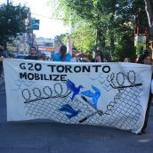 Protesters Reach out to Kensington Market PHOTO Sharmeen Khan