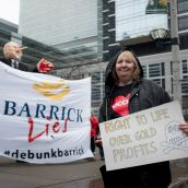 Barrick Lies, we are confronting them with the truth! photo: Allan.lissner.net